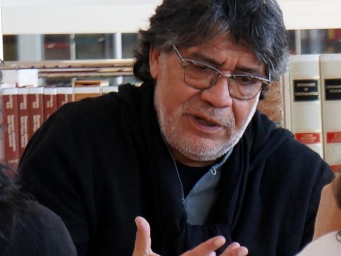 Πέθανε από κορονοϊό ο σπουδαίος χιλιανός συγγραφέας Σεπούλβεδα