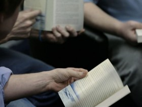 Συλλογή βιβλίων για τις βιβλιοθήκες των φυλακών