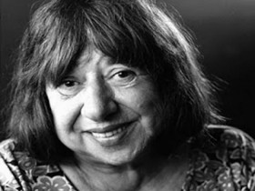 Έφυγε από τη ζωή η ποιήτρια Κατερίνα Αγγελάκη-Ρουκ